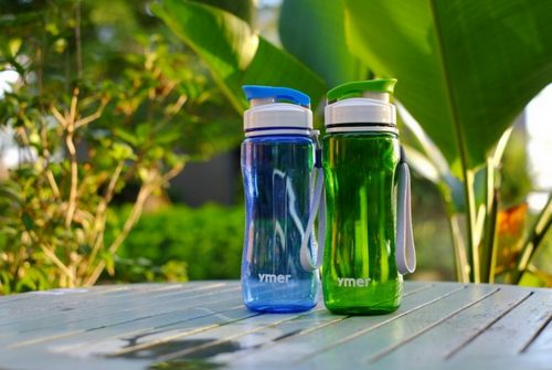 Ships from Hong Kong. This 19-ounces YMER water bottle with string which features convenient