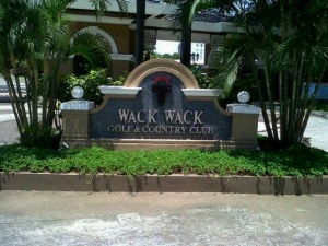 Wack Wack-golf and country club signage, mandaluyong city.jpg