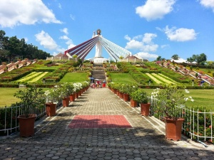 Fifty-foot Divine Mercy statue at Divine Mercy Hills in El Salvador, Misamis Oriental.jpg