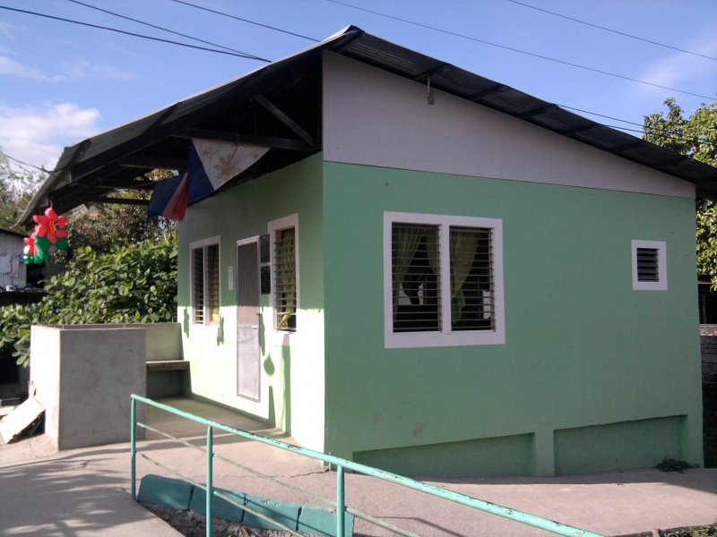 File:Barangay Hall Of San Isidro, Guagua, Pampanga.jpg