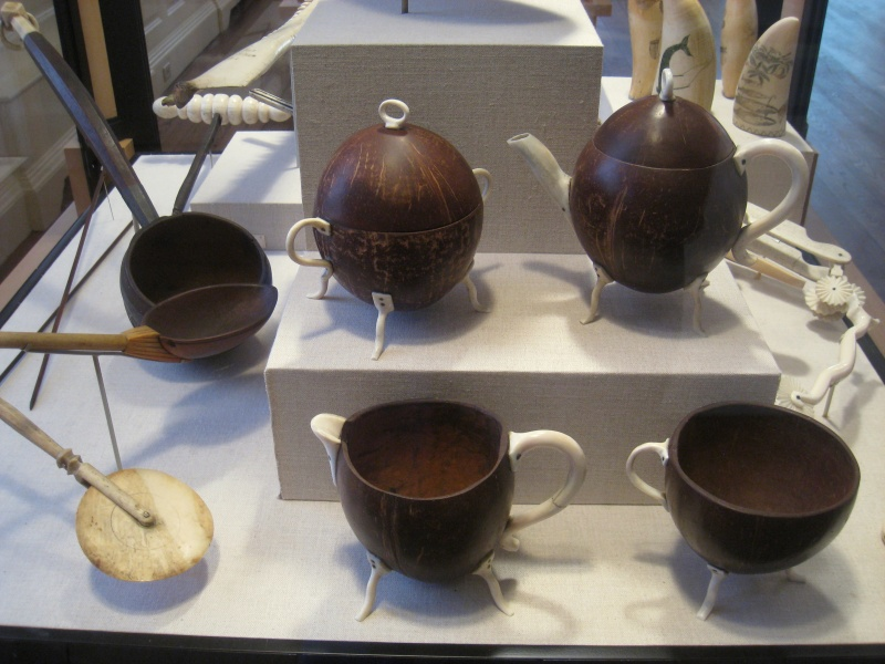 File:Coconut shell dipper and tea set - Old State House Museum, Boston, MA - IMG 6786.JPG