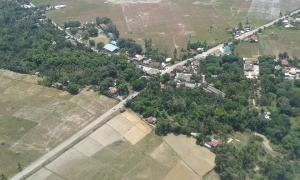 Manicahan aerial view, crossing to poso and poblacion.jpg